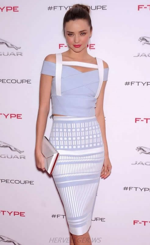 MIRANDA KERR DRESS HERVE LEGER WHITE AND BLUE JACQUARD PIECE BANDAGE DRESS