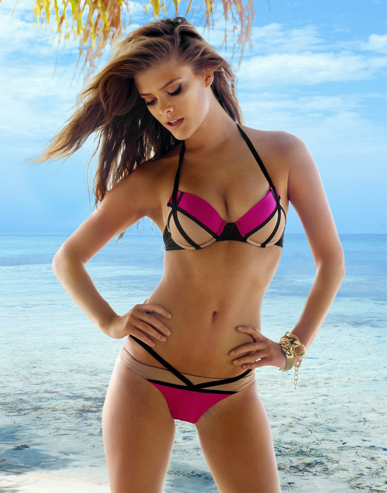 San Diego Mercedes >> Nina Agdal Bikini Herve Leger Rose Red Stitching Swimsuit